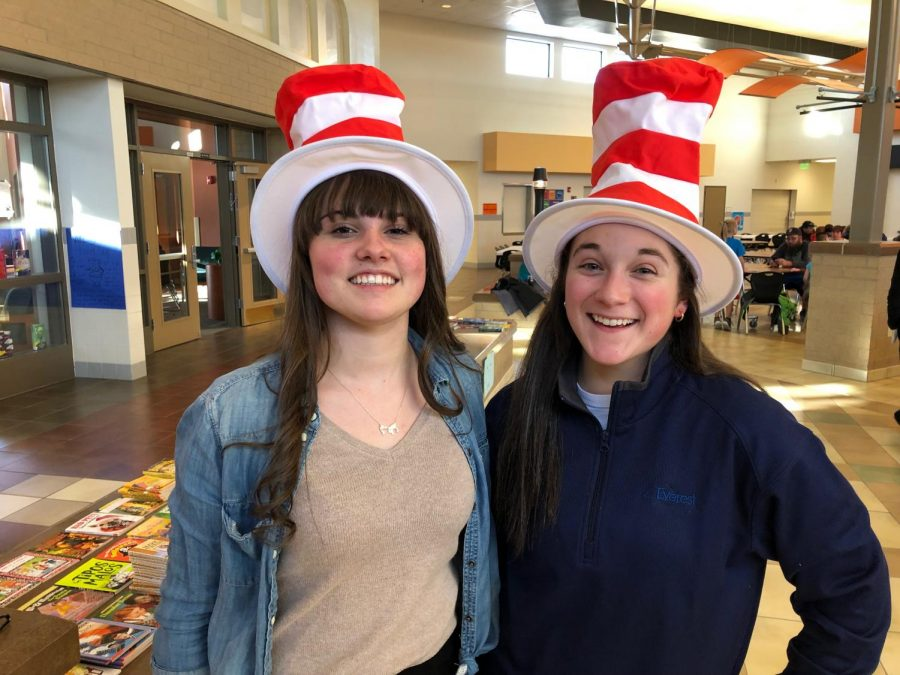 PHS+SkillsUSA+board+members+Ashlyn+Aguirre+and+Maggie+Cappiello+volunteered+for+Bingo+for+Books+on+Tuesday%2C+March+12.