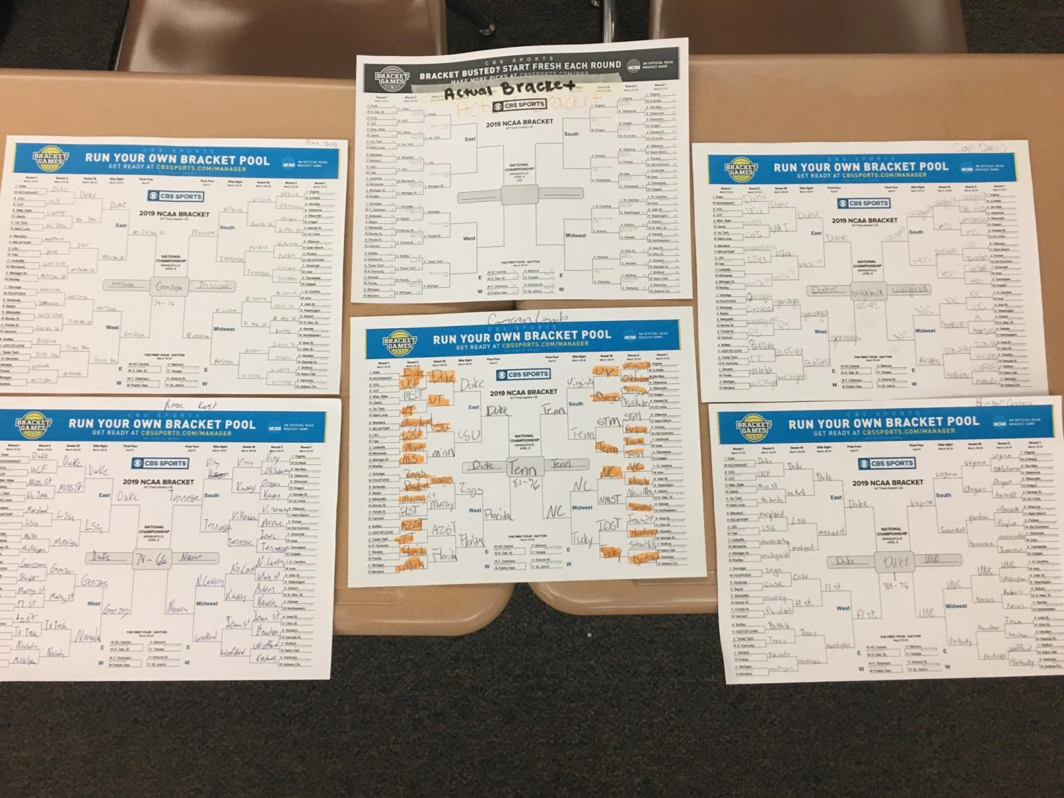 Powell High school students filled out their brackets for the NCAA men's basketball tournament.