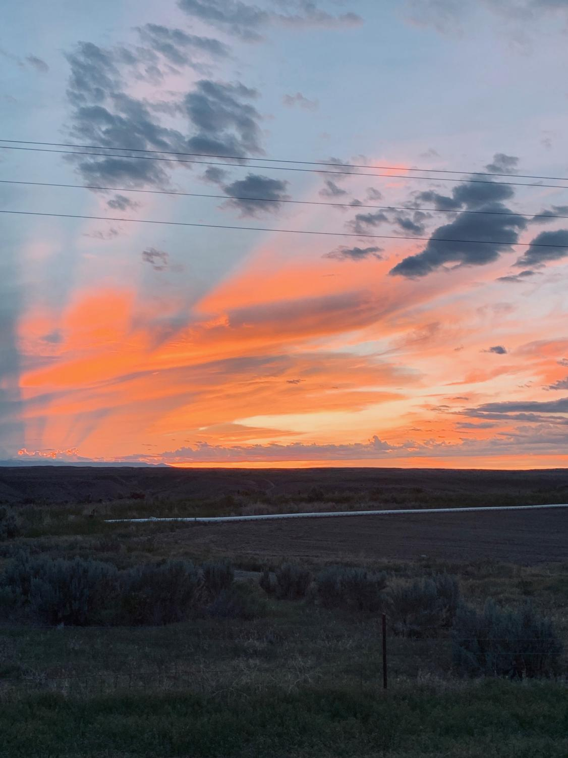 A+sunset+taken+on+the+Highway+295+between+Powell+and+Greybull+while+Mr.+Brandon+Preator+drives+his+family+home+to+Burlington.